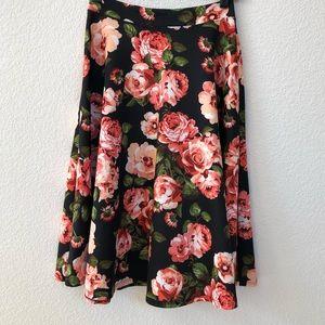 Dresses & Skirts - BLACK FLORAL CIRCLE SKIRT